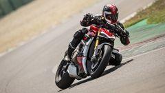 Ducati Streetfighter V4, faccia da Joker e potenza esagerata - Immagine: 22