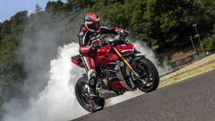 Ducati Streetfighter V4, faccia da Joker e potenza esagerata - Immagine: 23