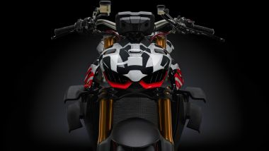 Ducati Streetfighter V4 2020 il prototipo: dettaglio del manubrio