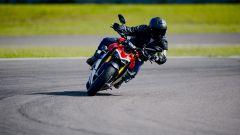 A scuola di guida con la Ducati Streetfighter V4? Facilissimo - Immagine: 1