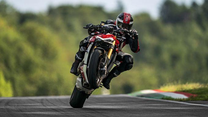 Ducati Streetfighter V4, una Panigale V4 sotto mentite spoglie