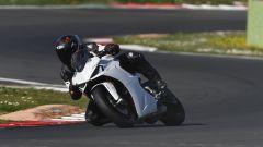 In pista con la nuova Ducati SuperSport 950 S. Ecco come va in video - Immagine: 1