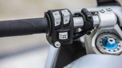 Ducati Supersport S: comandi al semimanubrio sinistro