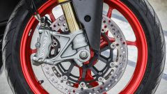 Ducati Supersport S: forcella Ohlins da 48 mm e pinza Brembo monoblocco
