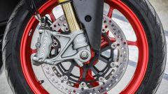 Ducati Supersport S: forcella Ohlins da 48 mm e pinza Brembo monoblocco