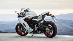 Ducati Supersport S: vista 3/4 posteriore