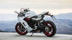 Ducati Supersport S: vista 3/4 posteriore