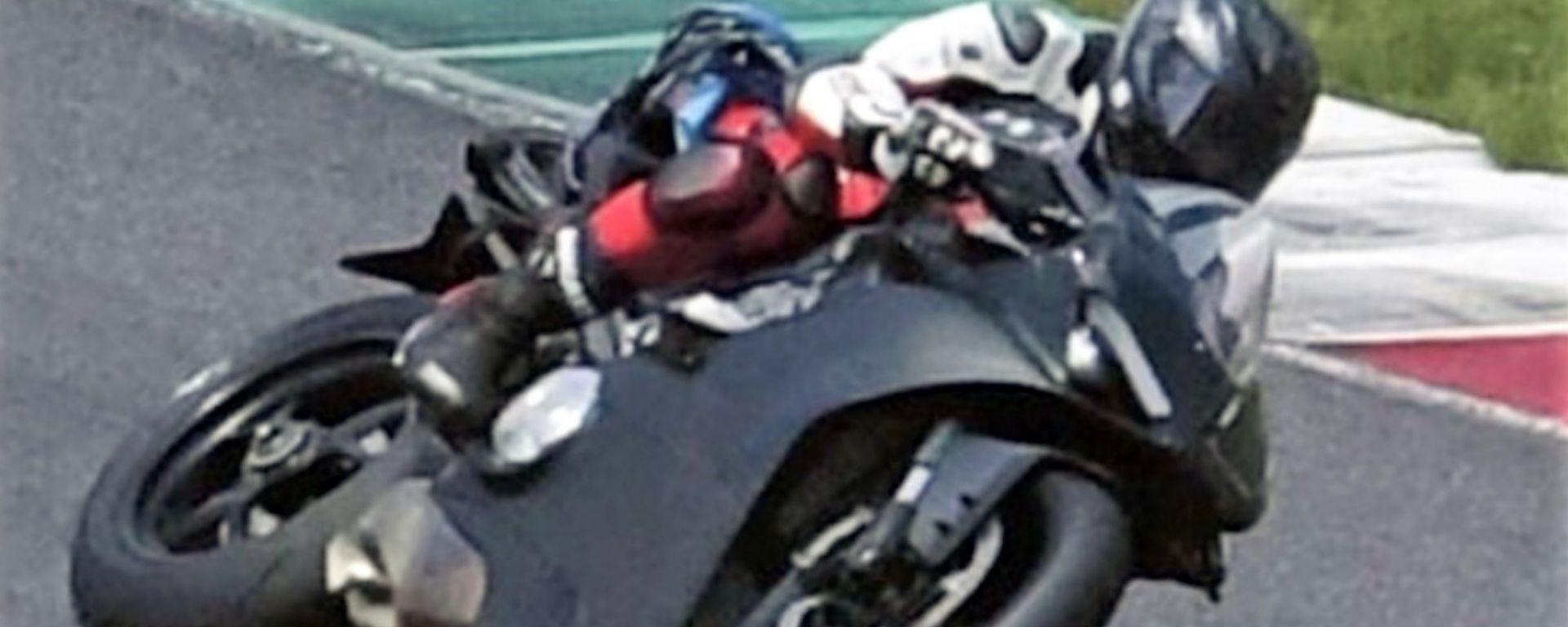 Ducati V4 superbike: la prima foto