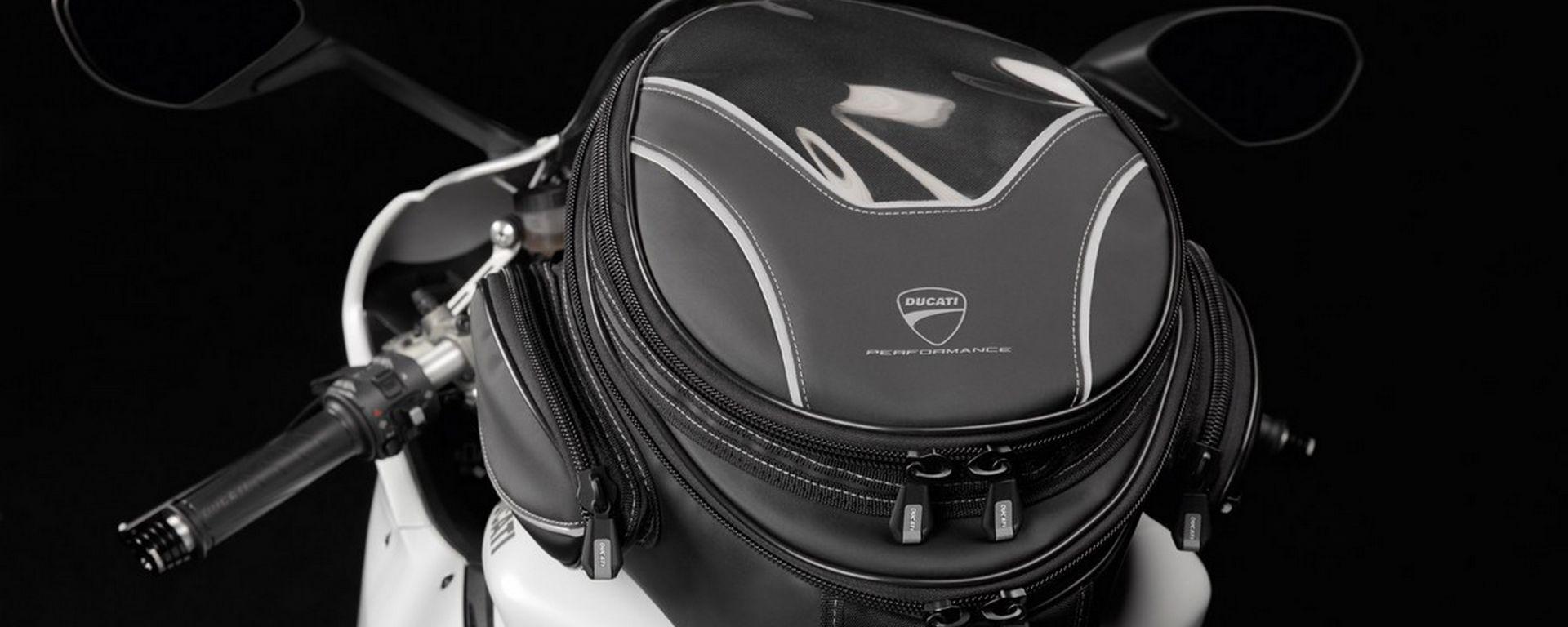 Ducati: viaggiare in moto con gli accessori Performance