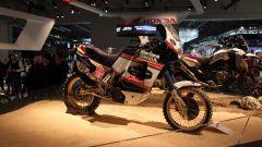 E per i nostalgici, ecco la Honda NXR Africa Twin Dakar 1989