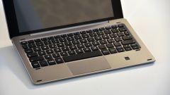 e-tab pro: la tastiera in alluminio è venduta separatamente e si aggancia magneticamente