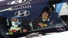 Eccitazione, tensione, stupore, e tantissime altre emozioni a bordo della WRC Plus con Thierry Neuville