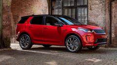 Ecco la nuova Land Rover Discovery Sport è anche Plug In Hybrid fianco