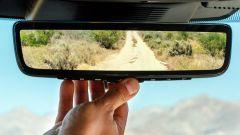 Ecco la nuova Land Rover Discovery Sport è anche Plug In Hybrid specchietto