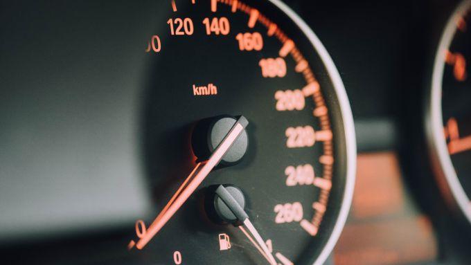 Editoriale: il nostro rapporto con l'automobile