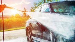 Lavaggio dell'auto: chi la lava sempre, chi non la lava mai. Editoriale