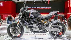 Nuova Ducati Monster 821 Stealth, live da Eicma 2018