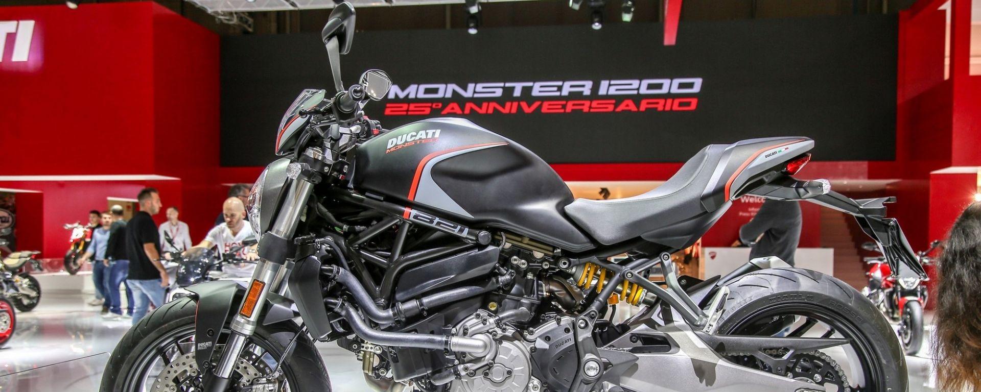 Ducati Monster 821 Stealth, a Eicma 2018 una livrea speciale [VIDEO]