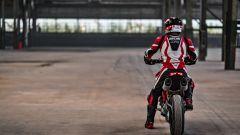 """Ducati Hypermotard 950: la """"fun bike"""" è tutta nuova [VIDEO] - Immagine: 12"""