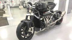 Eisenberg V8: la naked di 3/4 laterale