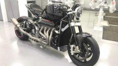Eisenberg V8: laterale