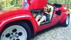 Elettra Miura Lamborghini su una Countach