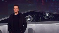 Elon Musk alla ormai famigerata presentazione del Cybertruck