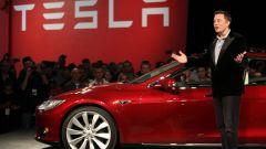Elon Musk alla presentazione di una sua vettura