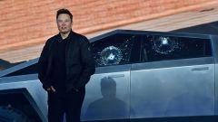 Elon Musk durante la presentazione del Cybertruck