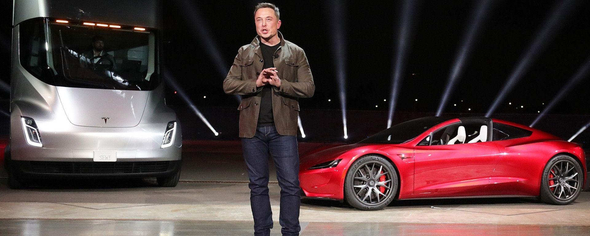 Elon Musk presenta la nuova Tesla Roadster