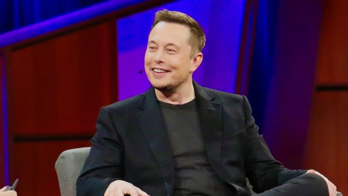Elon Musk s Chris Anderson a TED 2017 - foto di Steve Jurvetson, Attribution 2.0 Generic (CC BY 2.0)