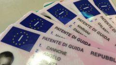 Emergenza Covid, sulla validità patente auto norme più precise
