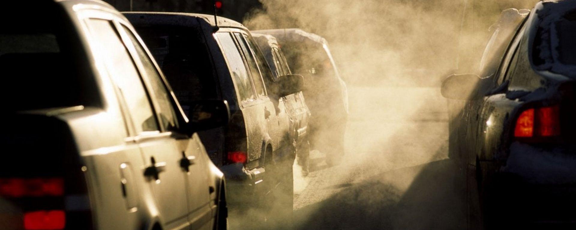 Emergenza smog, a Torino di nuovo fermi i diesel