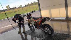 Trucchi e consigli su come lavare la moto da fuoristrada - Immagine: 1