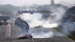 Esibizione Red Bull a Zandvoort, 20 maggio 2008, Max Verstappen e Daniel Ricciardo fanno... donuts!