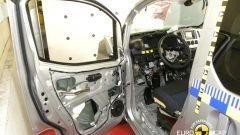 Euro NCAP: Trax e Captur mettono la quinta (stella) - Immagine: 10