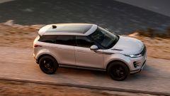 Range Rover Evoque e Discovery Sport, sale a bordo il monopattino - Immagine: 2