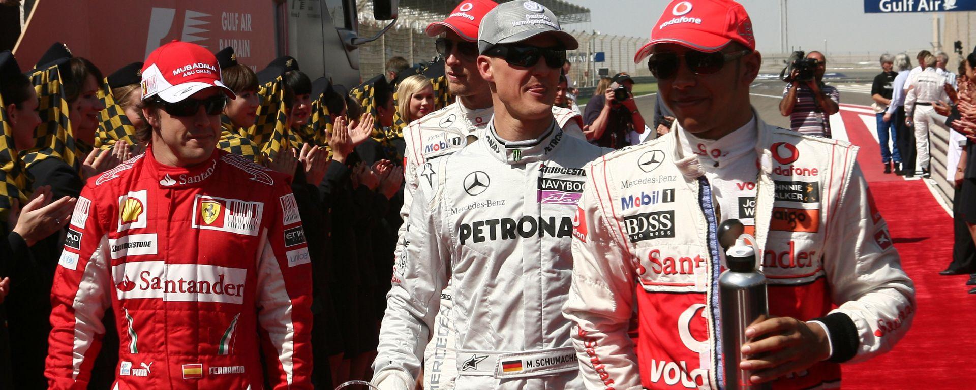 F1 2010: Fernando Alonso (Ferrari), Michael Schumacher (Mercedes) e Lewis Hamilton (McLaren)