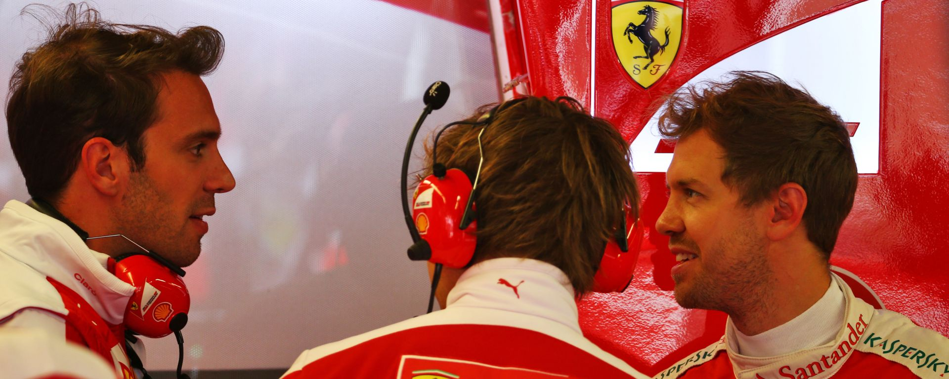 F1 2016: Jean-Eric Vergne con Sebastian Vettel nel box Ferrari