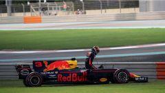 F1 2017 GP Abu Dhabi, il ritiro di Daniel Ricciardo