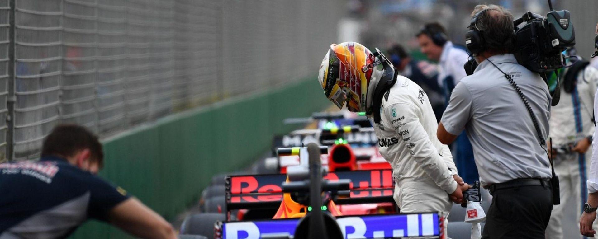 F1 2017, GP Australia, qualifiche: Lewis Hamilton da record davanti a tutti, Vettel in prima fila