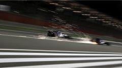 F1 2017 GP Bahrain, le scintille della Sauber di Marcus Ericsson