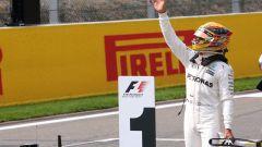 F1 2017 GP Belgio, Lewis Hamilton festeggia la 68esima pole