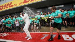 F1 2017 GP Inghilterra, festa alla Mercedes
