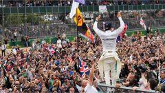 F1 2017 GP Inghilterra, Lewis Hamilton davanti al pubblico
