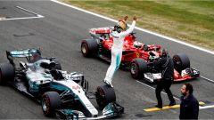 F1 2017 GP Inghilterra, Lewis Hamilton firma la 67esima pole di carriera