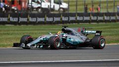F1 2017 GP Inghilterra, Lewis Hamilton in azione