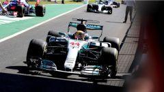 F1 2017 GP Monza, Lewis Hamilton rientra al parco chiuso