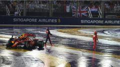 F1 2017 GP Singapore, Raikkonen e Verstappen costretti al ritiro
