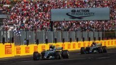 F1 2017 GP Ungheria, le Mercedes di Bottas e Hamilton